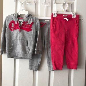 Oshkosh sweatsuit bundle size 2T